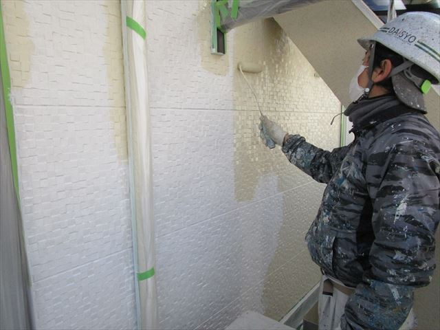 サイディング壁 中塗り