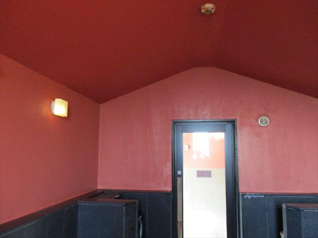 塗装後のサウナ室