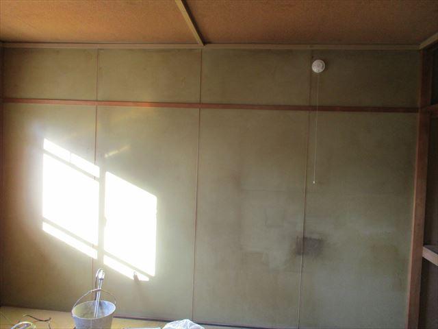和室のパネル壁