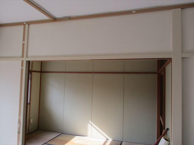 台所と和室壁
