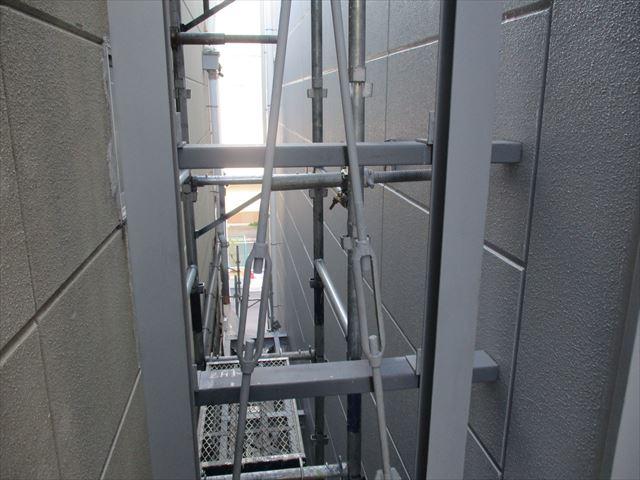 2階渡り廊下の鉄骨