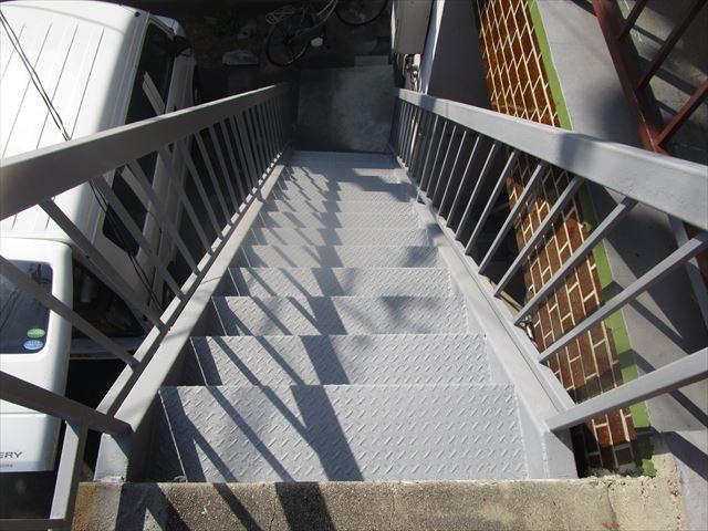 上からの外部階段