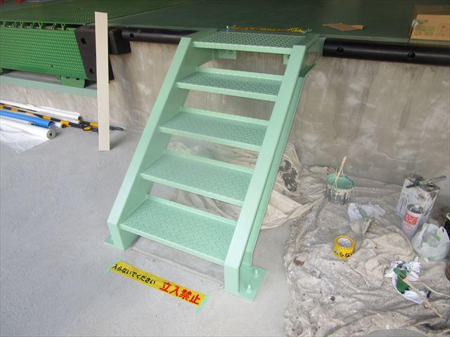 昇降階段塗装