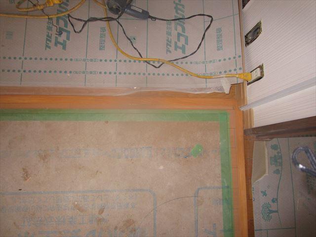 床の見切り板クリアー塗装