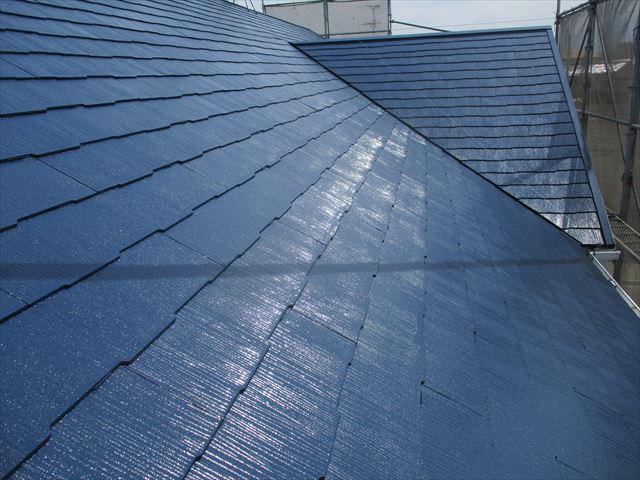 上塗りしたスレート屋根