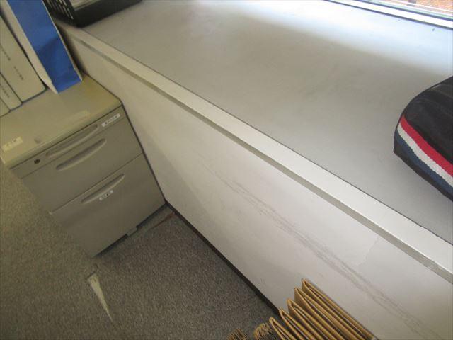 事務所の腰壁