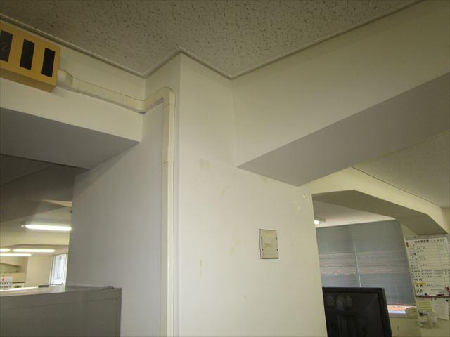 事務所の柱と梁