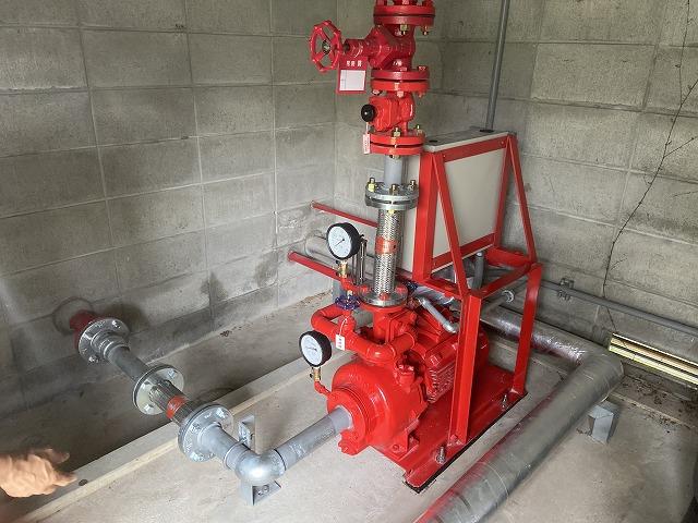 京都市伏見区の施設内で設備工事に伴う配管の塗装工事を行いました