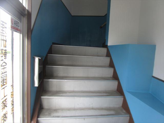 階段腰壁塗装