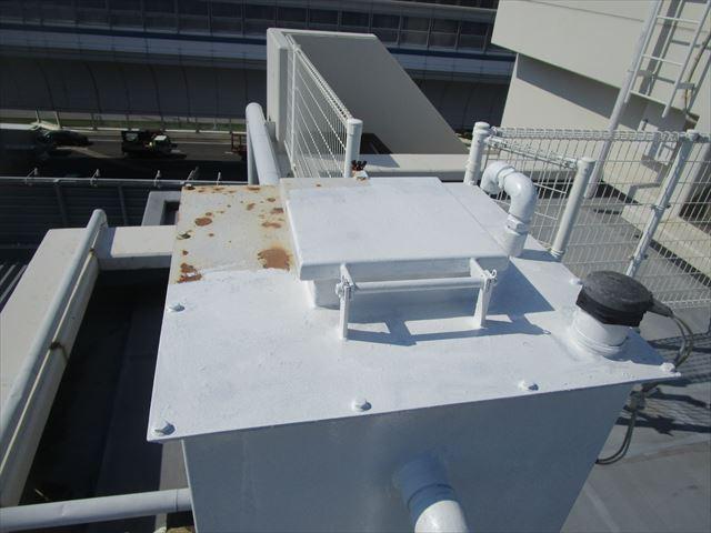 錆止め中の消火補給水槽