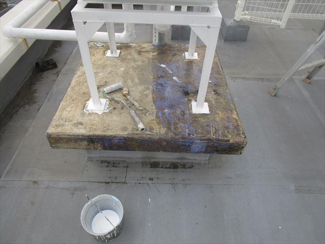 架台上部にプライマー塗布