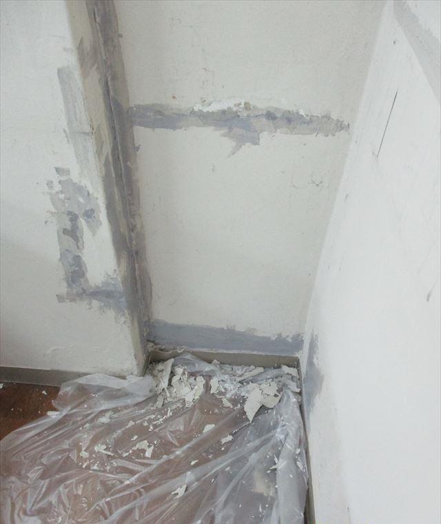 亀裂~パテした壁