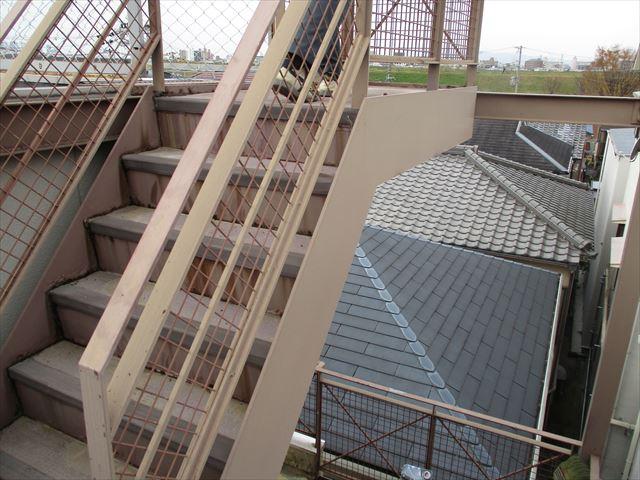 外部階段の手摺