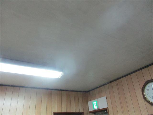 休憩室の天井
