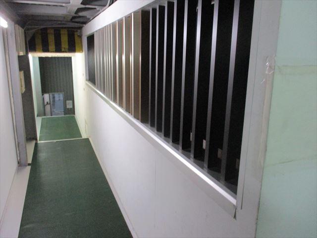 塗装前の廊下