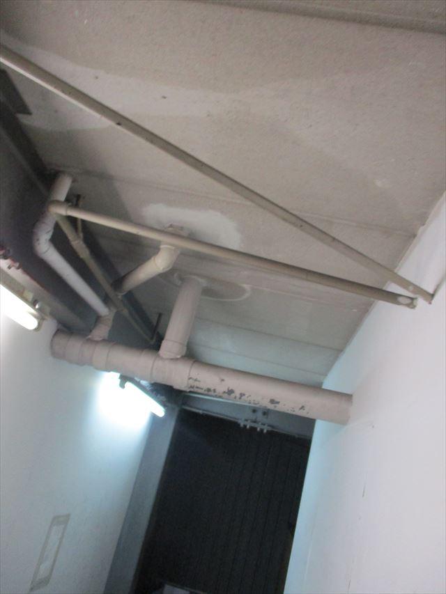 ローカの天井配管