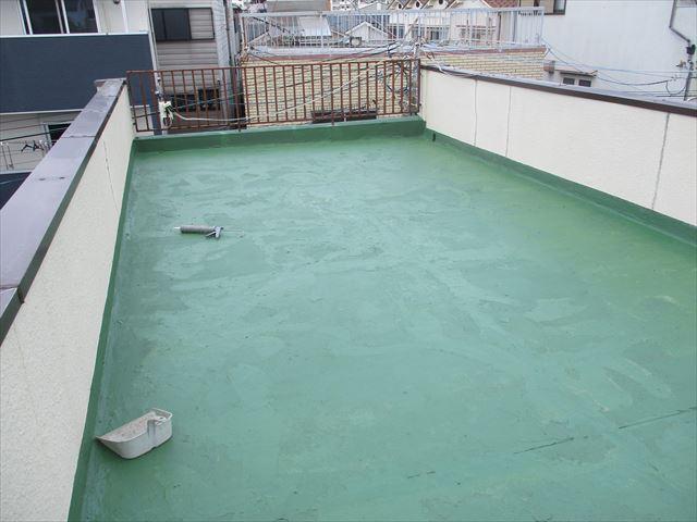 屋上床防塵塗装1回目