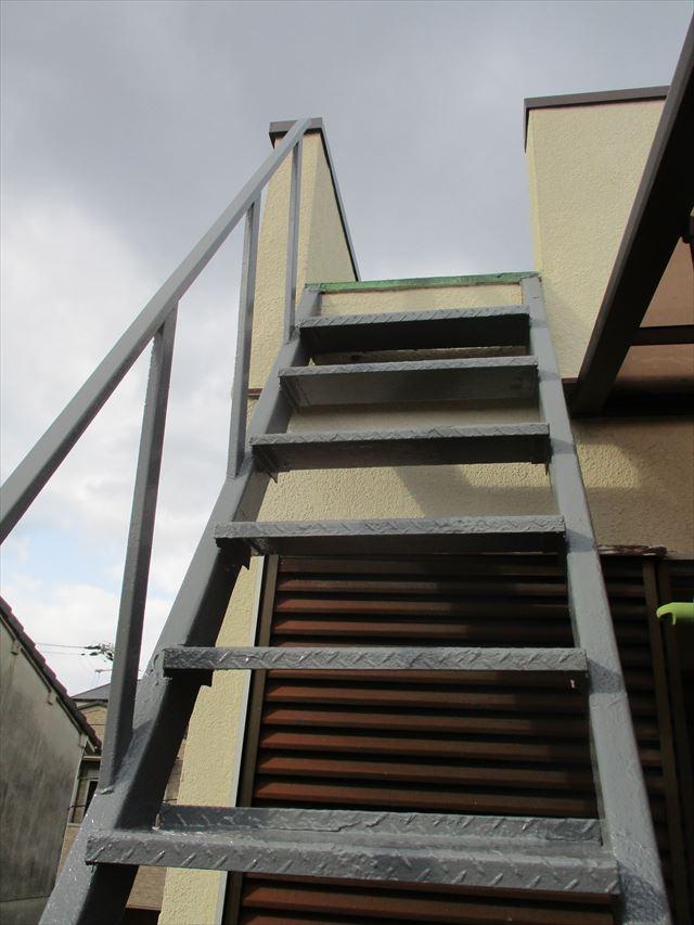 塗装した外部階段