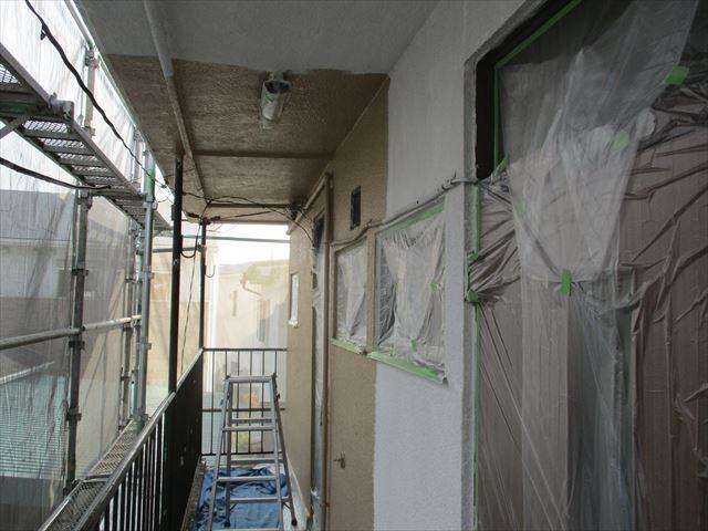 2階ローカの上塗り