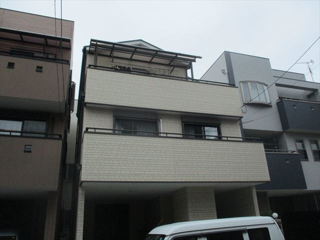 正面から見た戸建2・3階