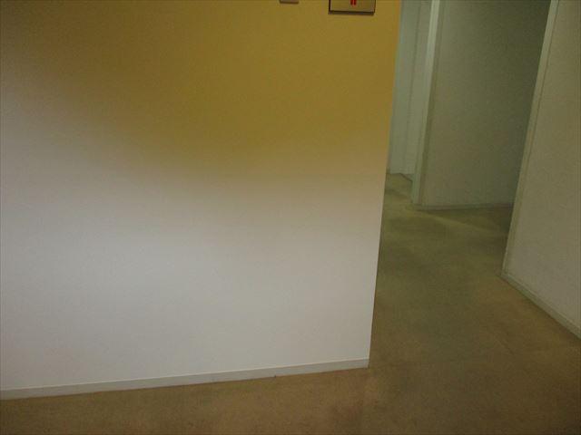 塗装後の壁角