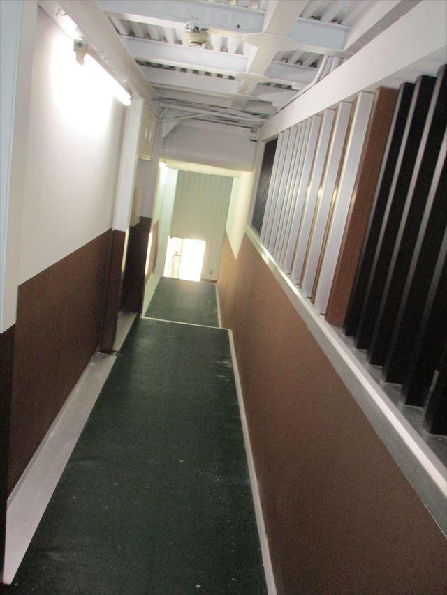 塗装後の廊下