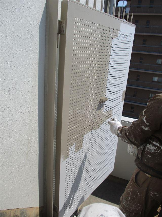 パンチング扉塗装