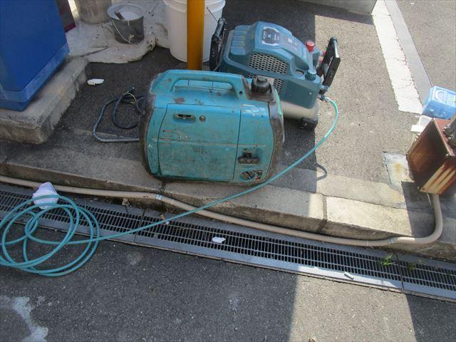 発電機とコンプレッサー
