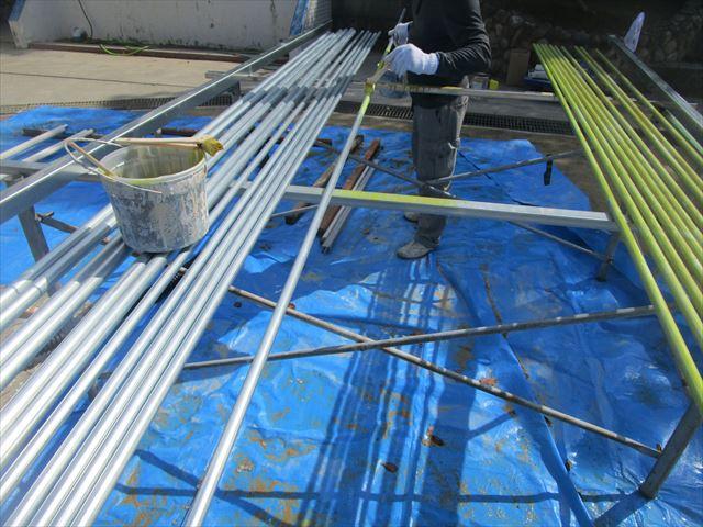 伊丹市で電気配管の塗装及び部材の塗装もおこないました。