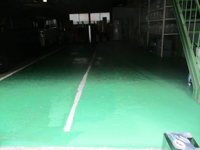 3列目の床塗装