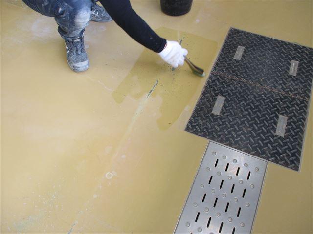 枚方市の施設にある部屋の床をエポキシ床塗料で塗装しました