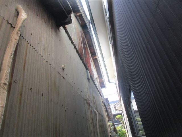 トタン壁塗装前