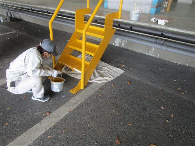 屋外階段上塗り塗装