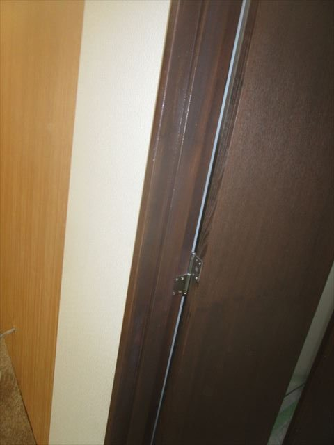 クリアー塗装後の入り口扉