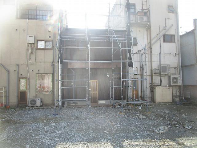 第二弾!!兵庫県尼崎市で古民家のベランダ解体・部分塗装を行いました