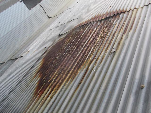 大阪市生野区の戸建住宅でトタン板が錆びてしまったので塗装を行いました